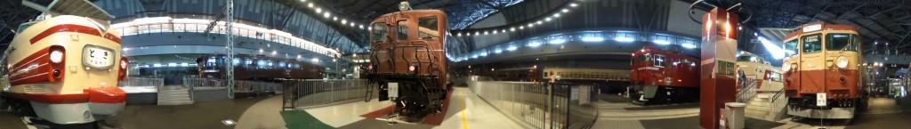 X12_001_123PUi(鉄道博物館展示つばめ奥)